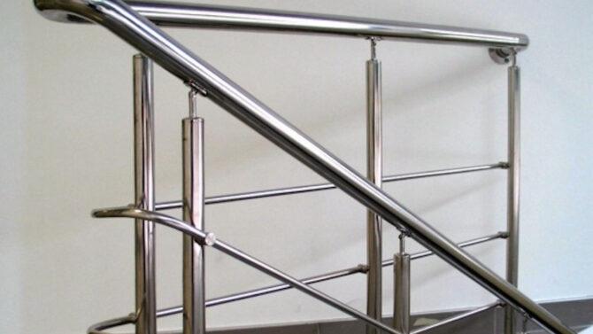 Перила из нержавеющей стали: практичность холодной эстетики