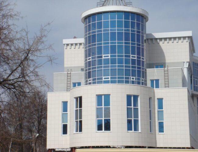 Управление Юстиции по Тамбовской области (фасадное остекление из алюминиевого профиля.)